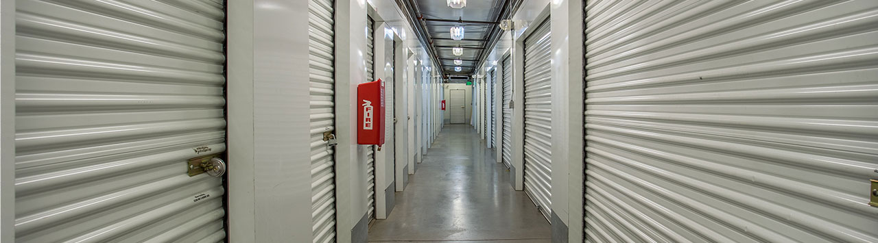 Indoord Self Storage Hallway
