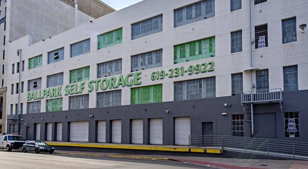 Storage Units Near 92101