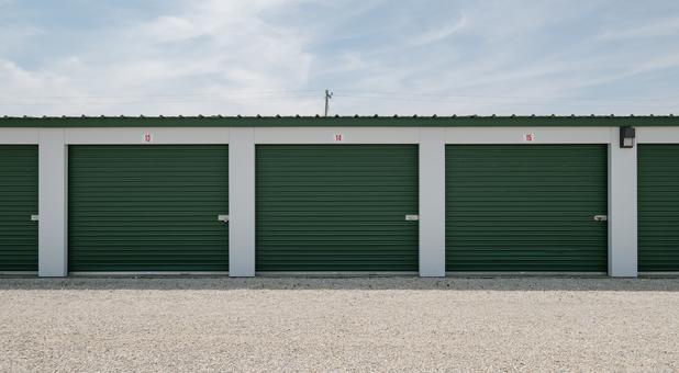 Large Storage Units in Farmland, IN
