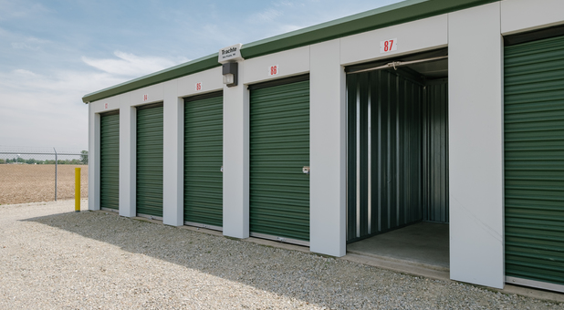 Small Storage Units in Farmland, IN