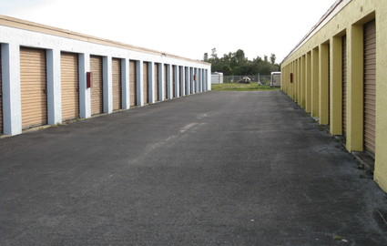 Outdoor units with Wide Driveways
