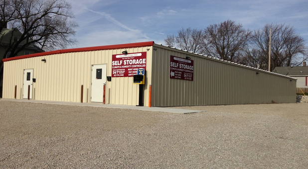Shelbyville Storage Villas with plenty of room to unload and load