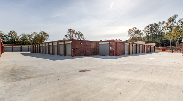 Easy access to all storage units