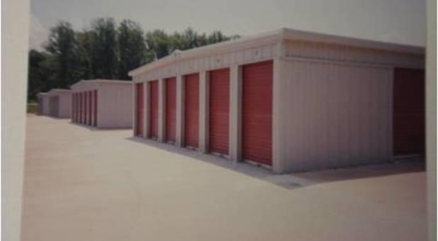 Storage Units Near 39047