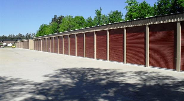 Drive Up Self Storage Access Near 39047
