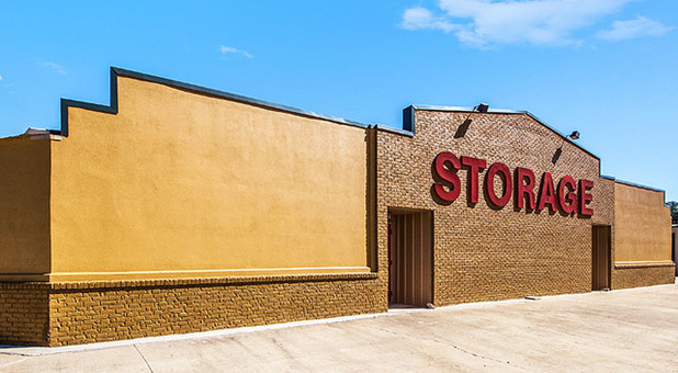 Self Storage Near 39402