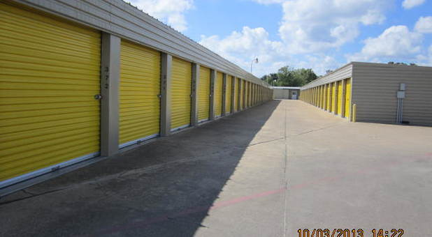 Wide Driveways for Easy Access
