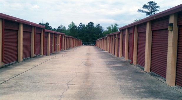 Hattiesburg, MS Drive Up Self Storage Units