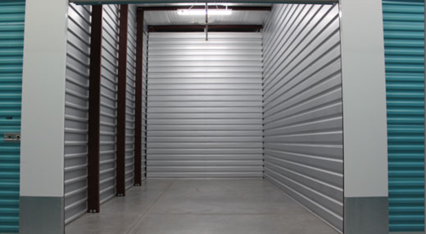 Storage Unit with Automatic Lighting