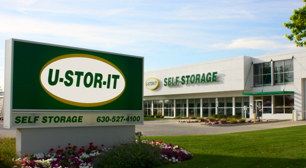 U-Stor-It Self Storage of Lisle, IL Outdoor Sign