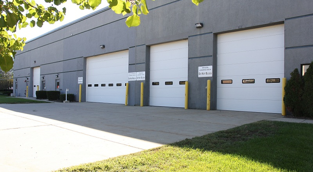 U-Stor-It Self Storage Carol Stream Wheaton, IL Outdoor Drive In Loading Bays