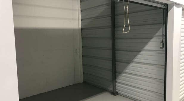 Clean Storage Units U-Store 48430