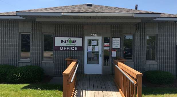 Holly, MI Self Storage Front office