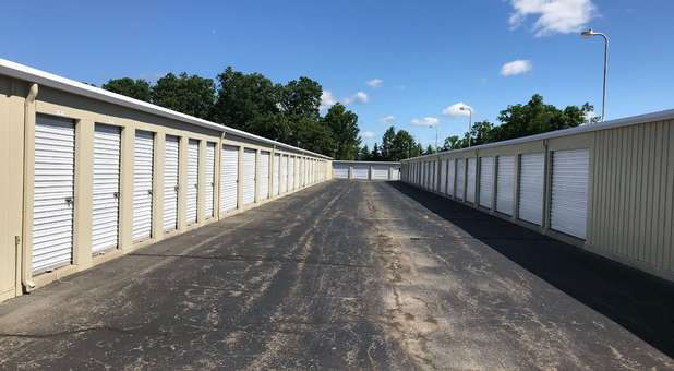 Wide Lanes for Drive Up Self Storage in South Lyon, MI