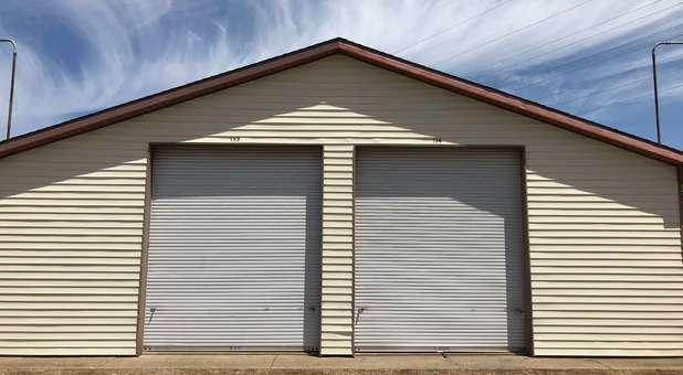 Drive Up Storage Units 49224