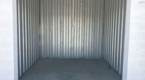 Clean Storage Units U-Store Holland