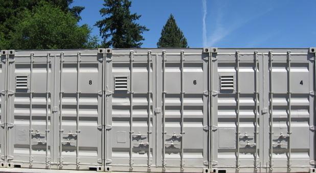 Outdoor Self Storage Options in 97402