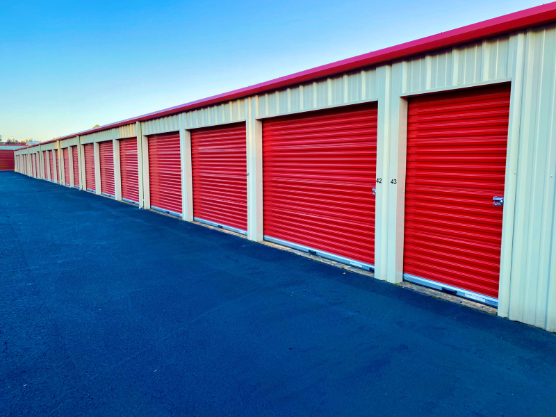 Maumelle storage units with drive-up access
