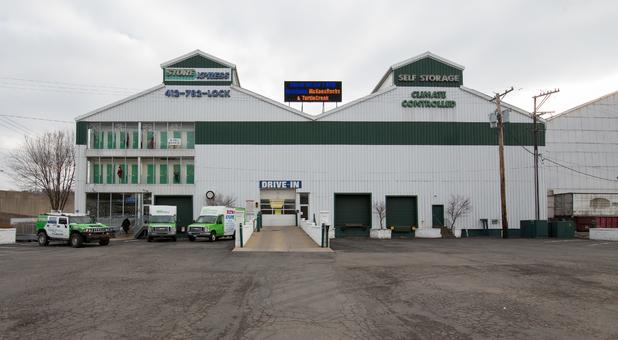 Storage Units Near Etna